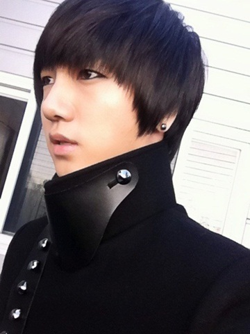 http://sujufemm.files.wordpress.com/2011/10/20111030_yesung.jpg?w=538