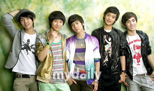 http://sujufemm.files.wordpress.com/2011/11/shinee.jpg